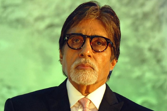 Amitabh Bachchan pays off over 1,300 UP farmers' loans