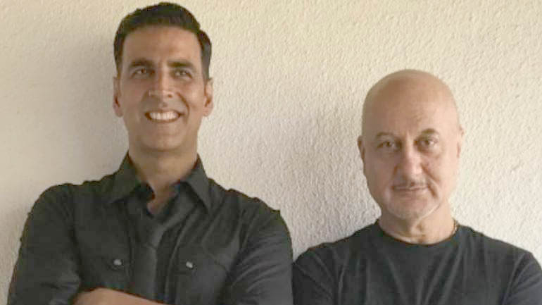 Akshay Kumar thanks Anupam Kher for standing up for him after Canadian citizenship row