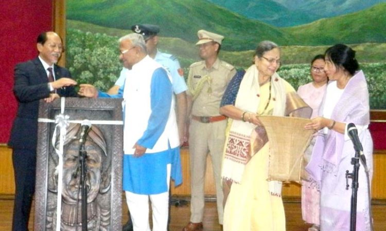 governor felicitated.jpeg