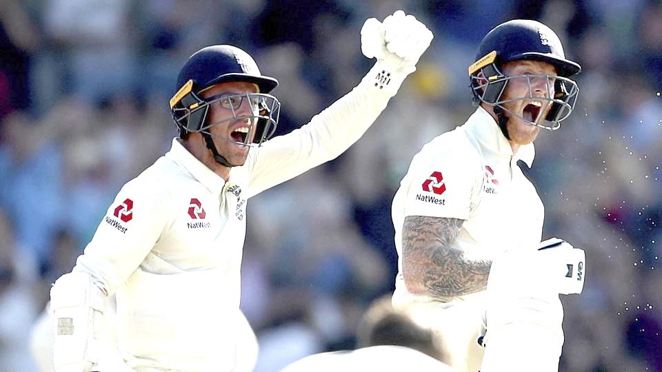 Stokes helps England