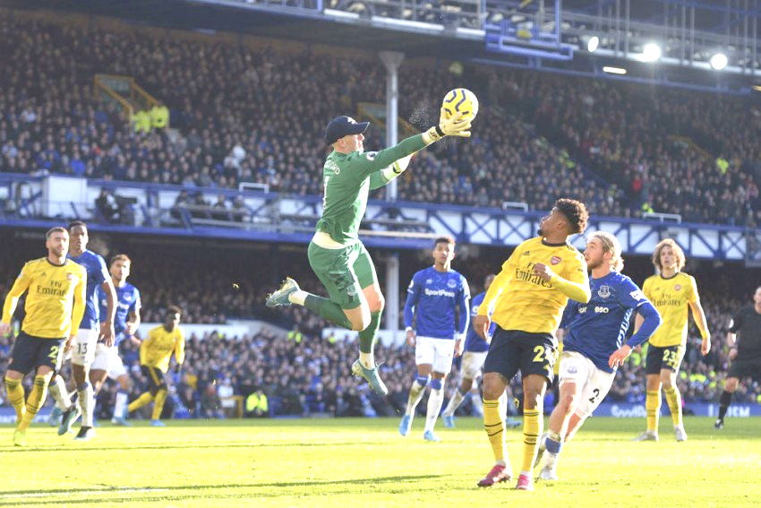 Everton held by Arsenal