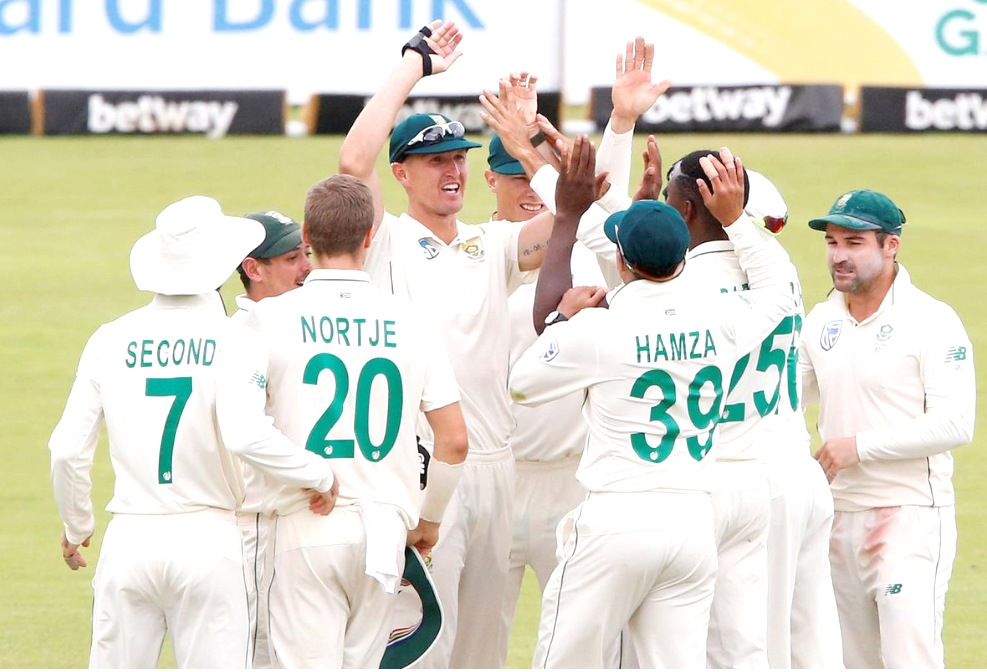 South Africa beat England