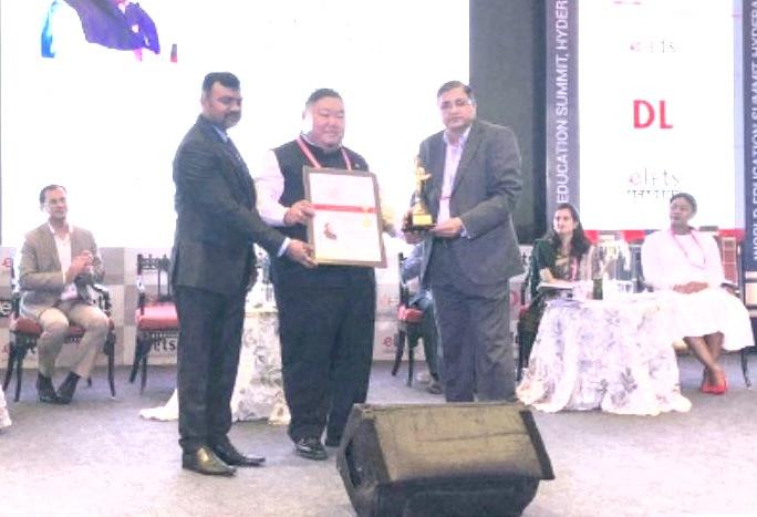 Temjen Imna received Leadership Award