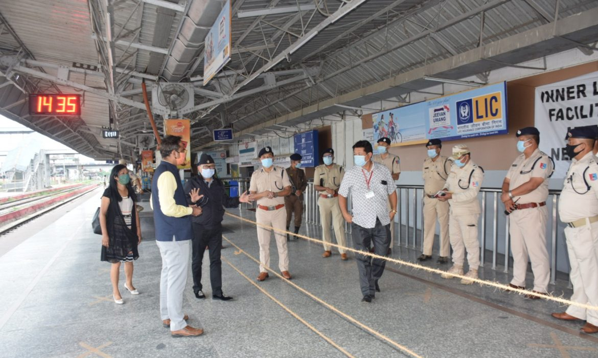 Govt officials inspect Dimapur Rly Station