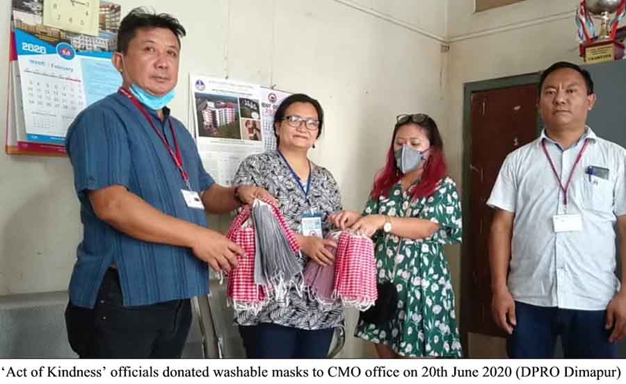 Act of kindness officials donates washable mask