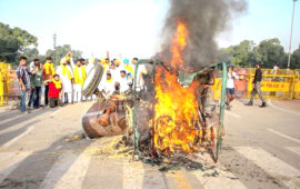 Farm law protest: Tractor set ablaze at India Gate