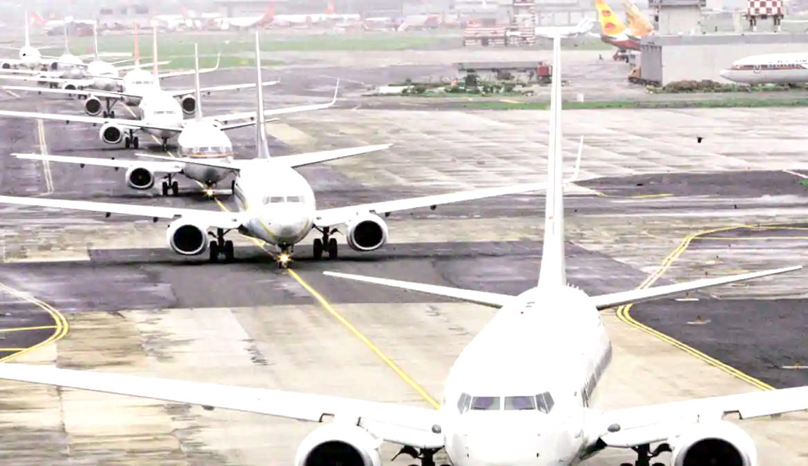 Opposition parties criticise privatisation of airports