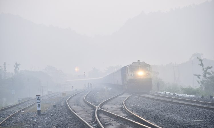 foggy weather train