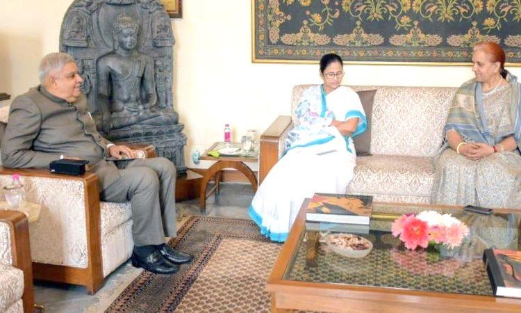 Mamata meets Governor
