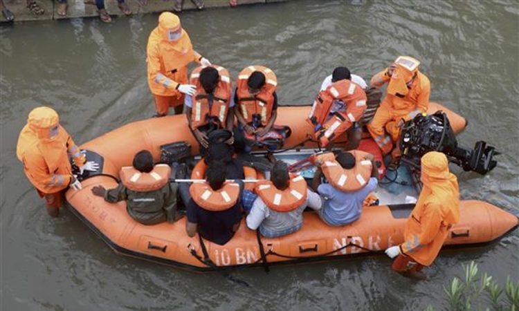 women disaster combat