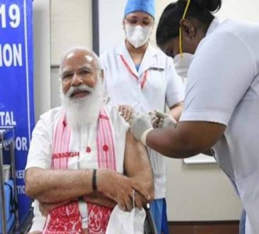 Modi takes the first jab of Covid-19 vaccine