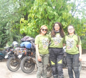 3 female riders
