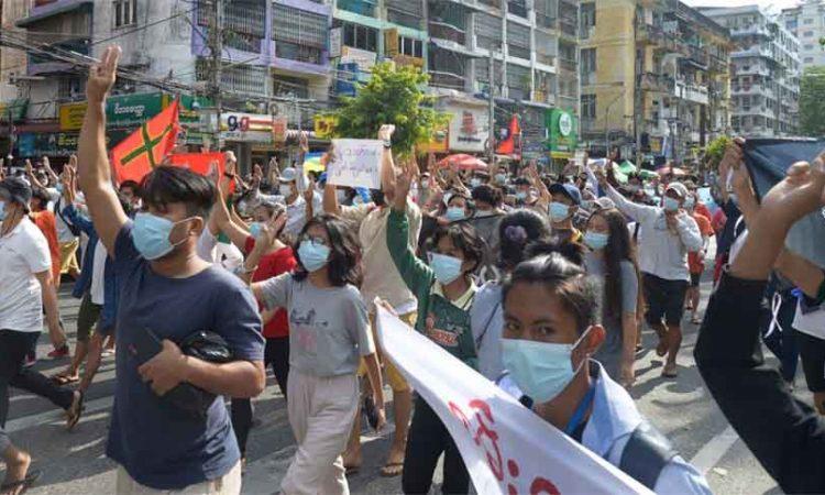 Flash mobs Myanmar