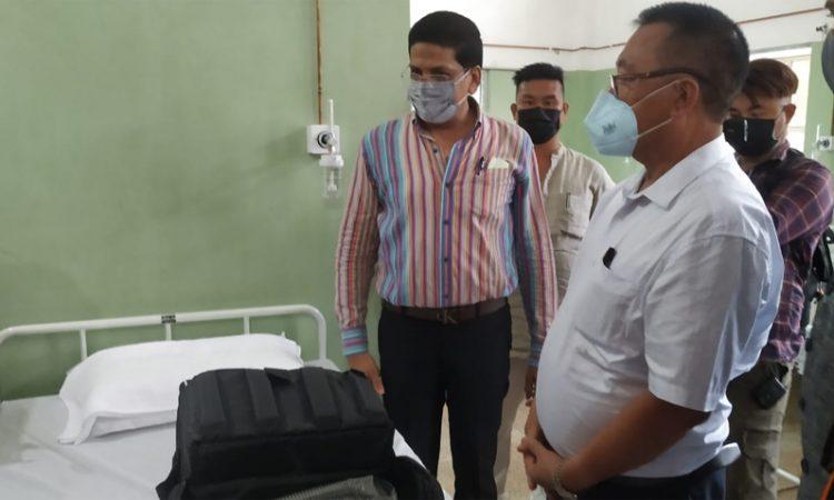 Pangnyu inspecting Covid ward