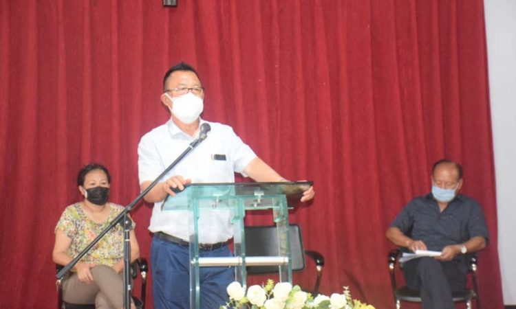 Pangyu Phom speaking to the Medical officersHealth workers of DHD