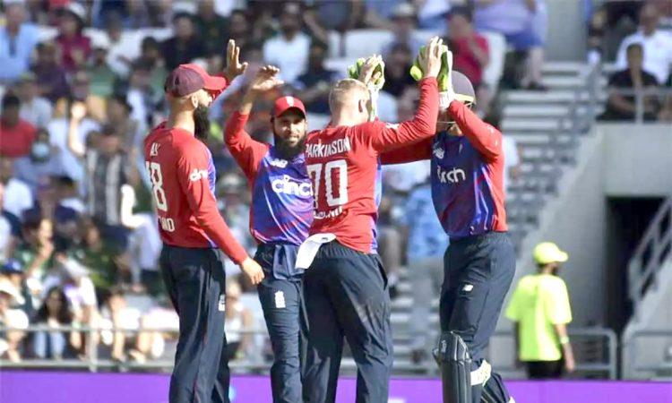 England beat Pakistan